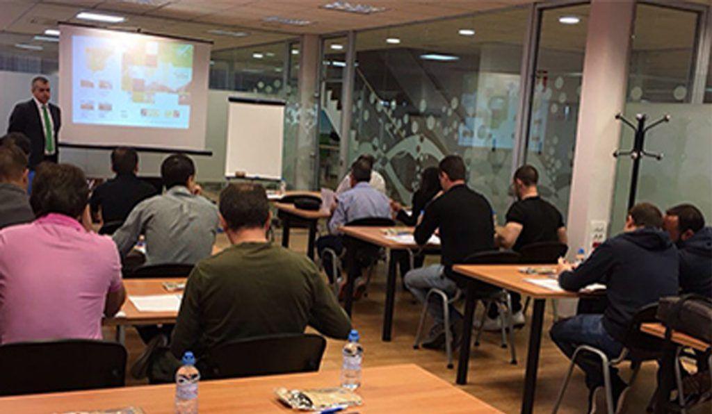 curso neumatica 2 1024x596 - T2S-SIAPA celebro en pasado 28 de Septiembre una nueva jornada formativa gratuita enfocada al refuerzo y conocimiento de la Tecnología Neumática