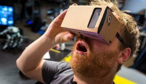 google cardboard 300x174 - Disfruta la experiencia de la realidad aumentada gracias a las Google Cardboard VR.