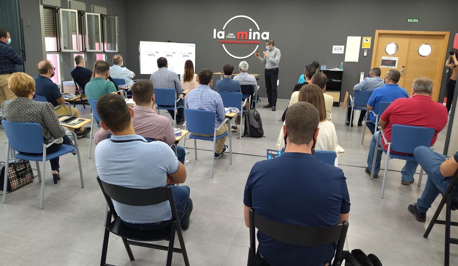 Conectividad en los proyectos de automatización para la industria moderna celebrado por la mina startup
